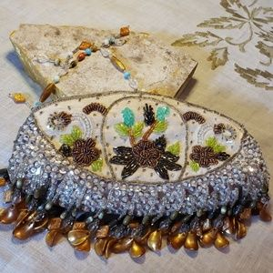 👜Sparkly and highly beaded clutch👜